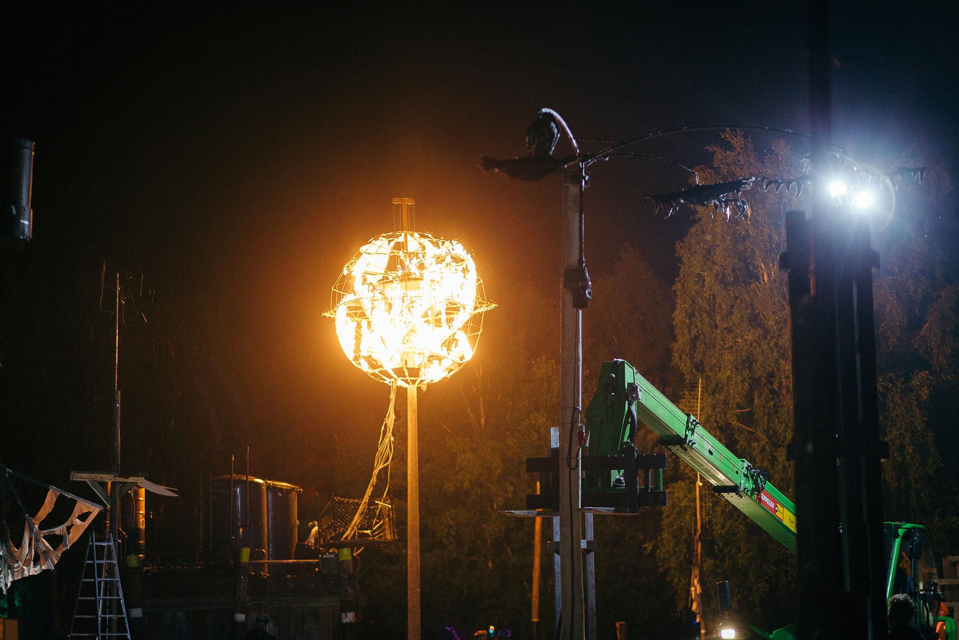 Feuerinstallation auf dem Fusion Festival