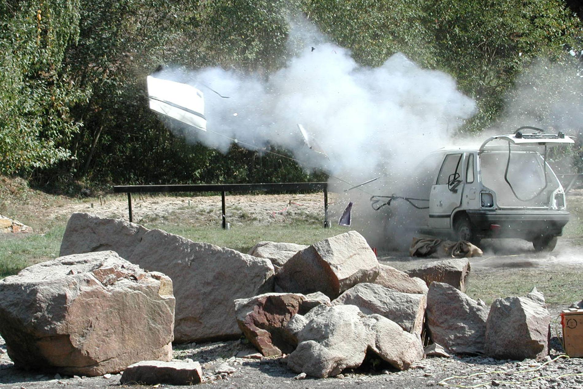 Explosionen und Crashs für Film und Fernsehen