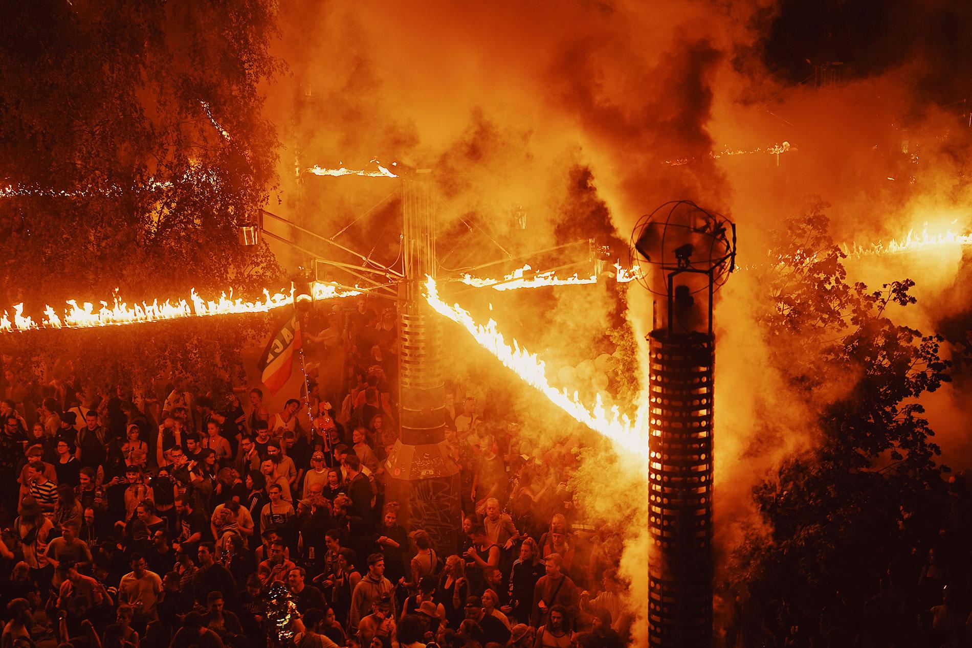 Pyro-Inszenierung auf dem Fusion Festival