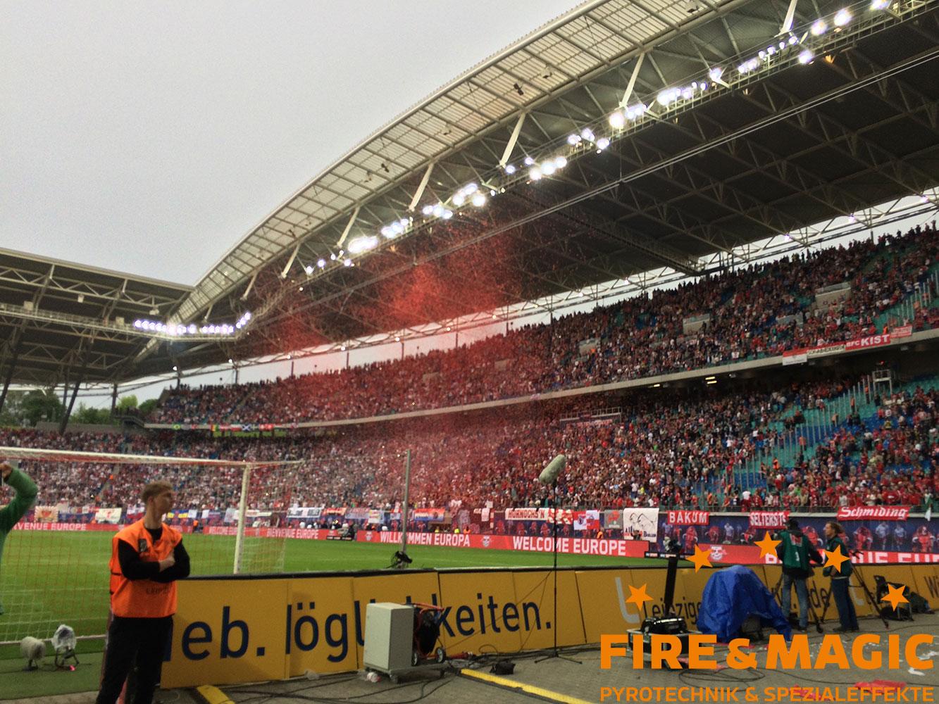 Konfettikanonen im Stadion für den RB Leipzig